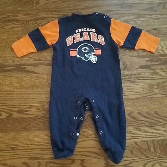 97ab1ec06 Infant Chicago Bears Licensed NFL Footed Sleeper. M 5b8062a2c89e1d3f24d4e328